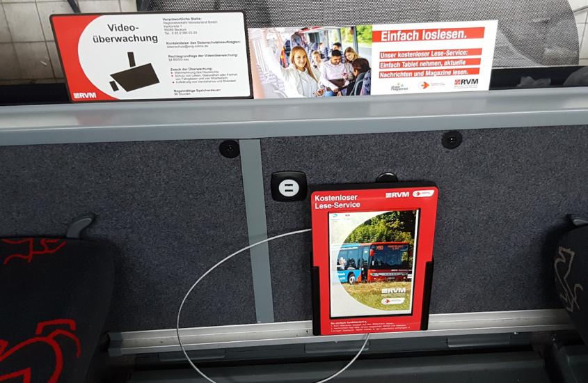 TabLines Tablet als Lese-Service im Bus mit Schutzgehäuse und Charger