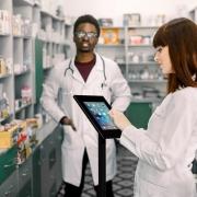 Tabletständer mit Rollen