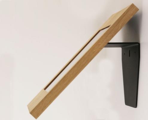 Wandhalterung mit Tablet Schutzgehäuse Eiche von TabLines