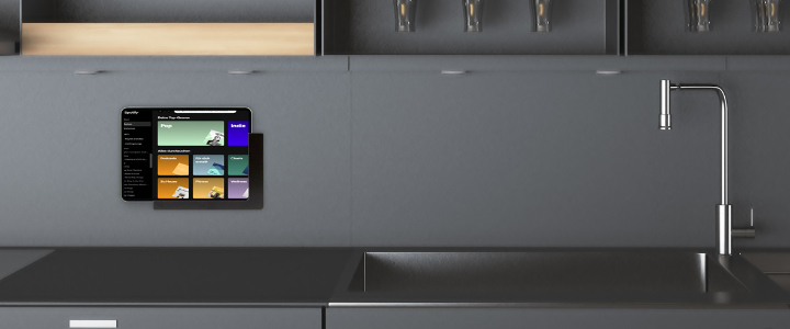 TabLines TWP Wandhalterung für iPad und Samsung Galaxy, Anwendung Küche